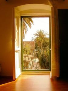 Garden Apartment Hotel -
